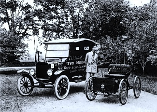black-and-white-car-vintage-old-vehicle-nostalgia-monochrome-vintage-car-ford-automobiles-carriage-historical-classic-model-t-land-vehicle-monochrome-photography-automobile-make-horse-and-buggy-ford-m